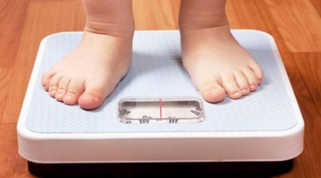 La obesidad infantil es un problema de salud que hay que abordar con garantías para ponerle freno.