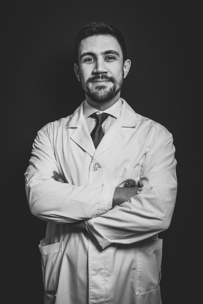 Se apresenta queixas de dores na mão ou no punho, não hesite em marcar consulta com o Dr. Francisco Mercier.