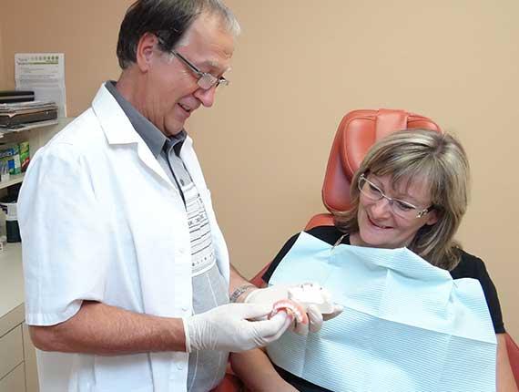 Clinique Cloutier denturologiste Montréal | Port prolongé d'une prothèse mal adaptée peut provoquer