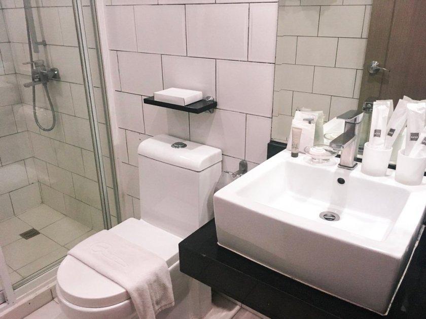 Azalea Residences Bathroom