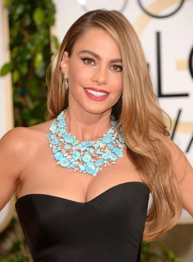 34b97e3e7e7d92b3_sofia-vergara-golden-globes-necklace.jpg.xxxlarge_2x