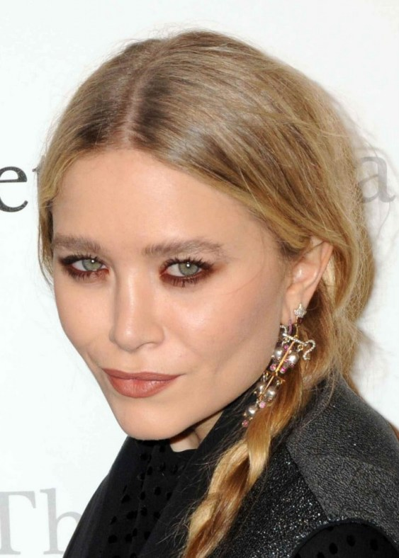 mary kate olsen makeup pink orange red underline dark