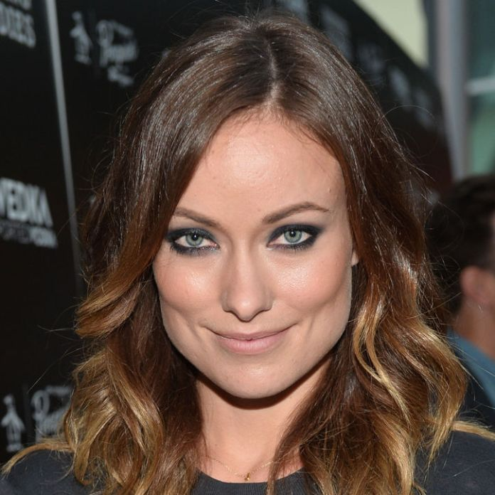 olivia-wilde-sexy-date-night-smoky-eye-makeup-w724