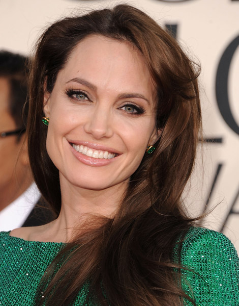 Angelina-Jolie-Golden-Globes-beauty