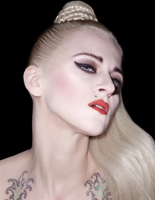 wow-revista-magazine-beauty-madonna-by-servullo-cosmetics