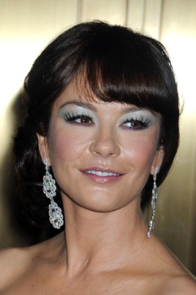 Clio_Catherine-Zita-Jones-bad-makeup