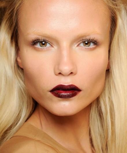 how_to_wear_dark_lipstick_in_fall2013