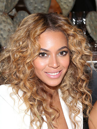rbk-best-hairstyles-for-curly-hair-beyonce-lgn
