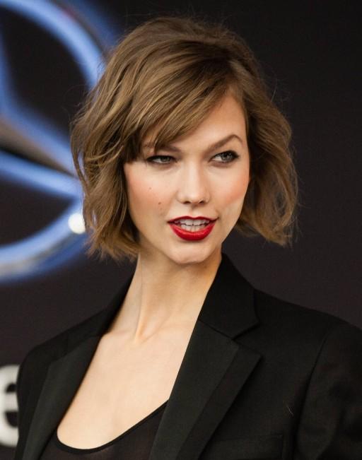 2014-Karlie-Kloss-Short-Hairstyles-Wavy-Haircut-for-Short-Hair