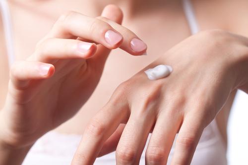 hand-cream-wrinkles