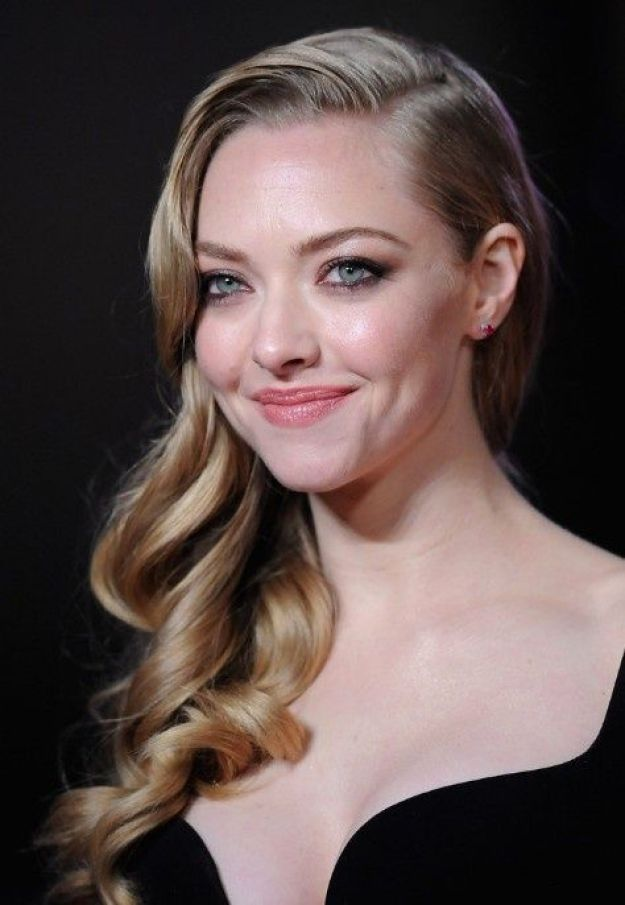 Amanda Seyfried_smile-cheekbones