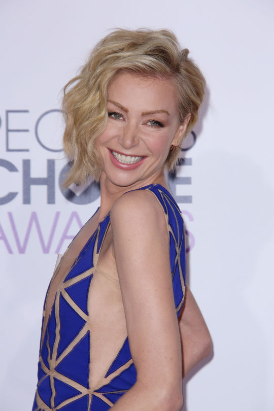 Cliomakeup_portia-de-rossi-people-choice-awards-wavy-hair-w540