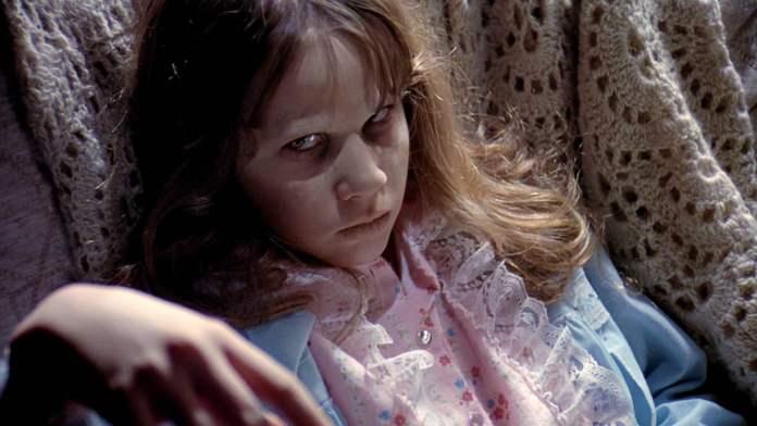 Cliomakeup-film-halloween-4-The-Exorcist-regan