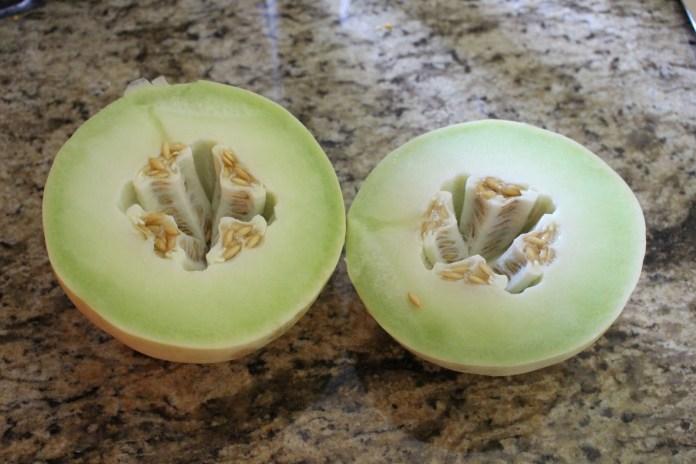 cliomakeup-maschere-frutta-estiva-melone-greenleeaves