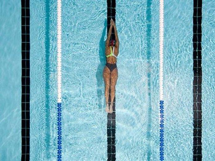 cliomakeup-fitness-in-acqua-nuoto.jpg