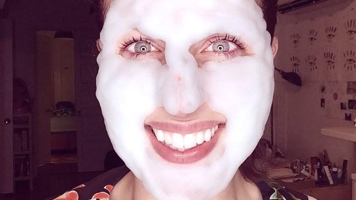 cliomakeup-come-eseguire-la-skincare-sapone.jpg