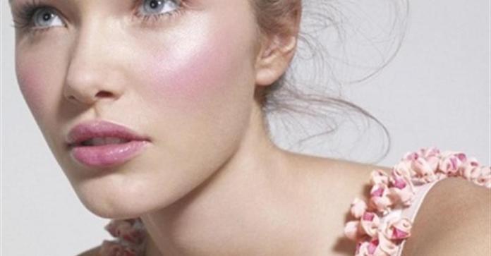 cliomakeup-pennelli-trucco-6-blush-illuminante