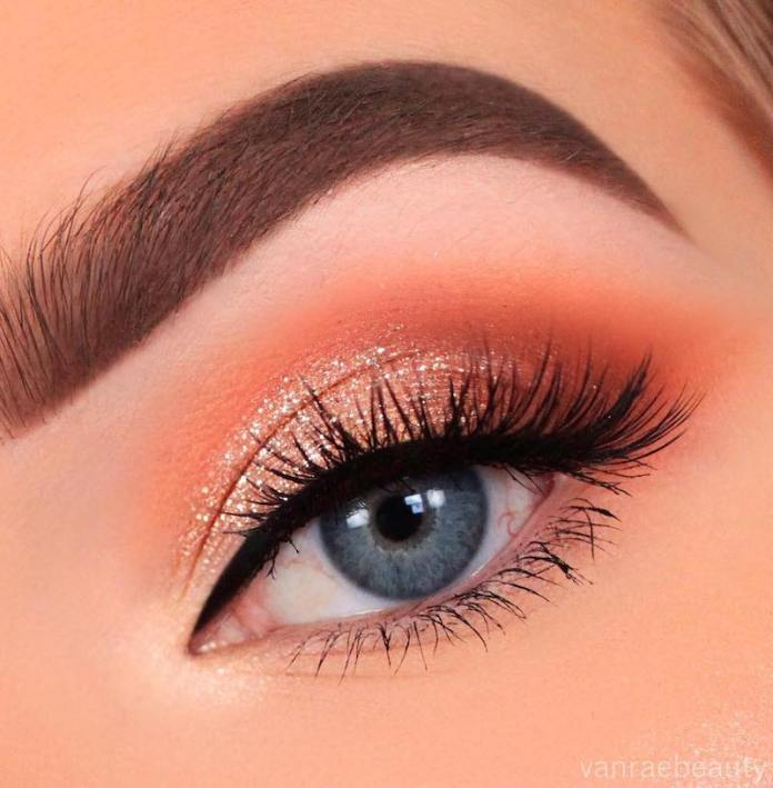 cliomakeup-realizzare-makeup-glitter-portabili-6-glitter-tono-su-tono