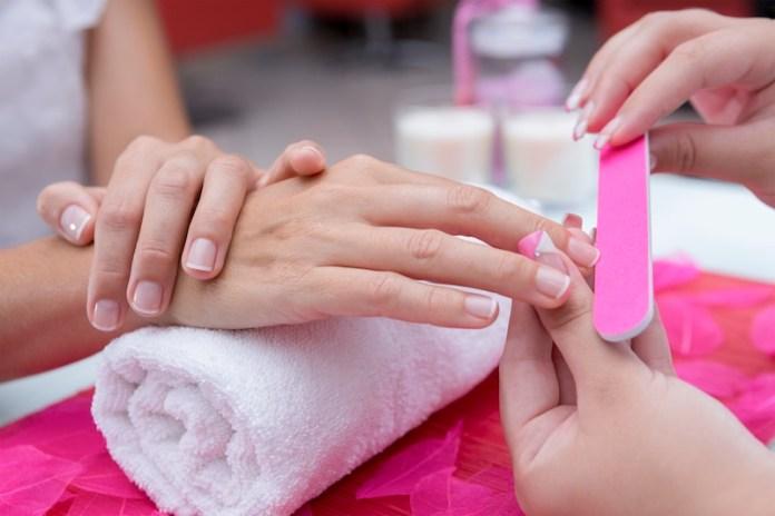 cliomakeup-rimedi-unghie-fragili-prodotti-trattamenti-4-limatura-unghie.jpg