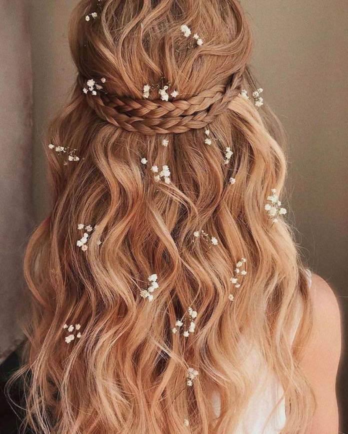 cliomakeup-acconciature sposa capelli lunghi-6-semiraccolto-trecce