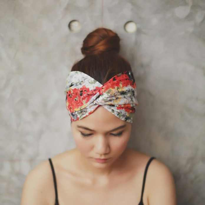 Cliomakeup-capelli-perfetti-in-spiaggia-15-chignon-fascia