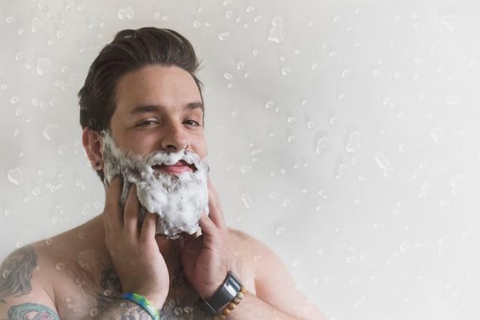 Cliomakeup-curare-barba-uomo-3-lavaggio