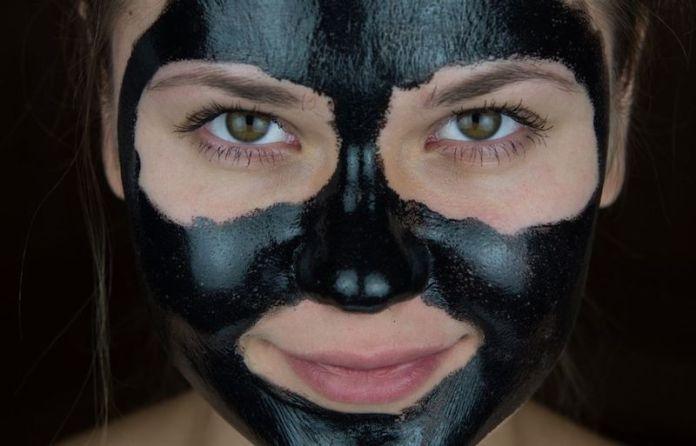 cliomakeup-black-mask-8-pelli-sensibili