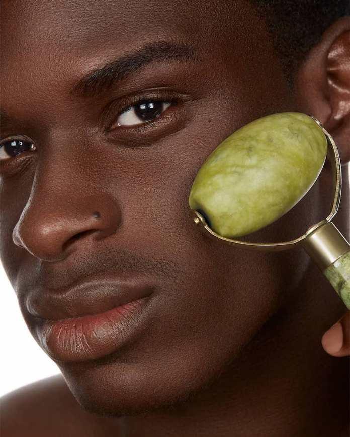 cliomakeup-tonico-viso-quale-scegliere-quando-applicarlo-prodotti-7.tonico-uomo