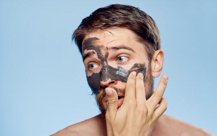 Cliomakeup-pulizia-viso-uomo-7-maschera.viso-uomo