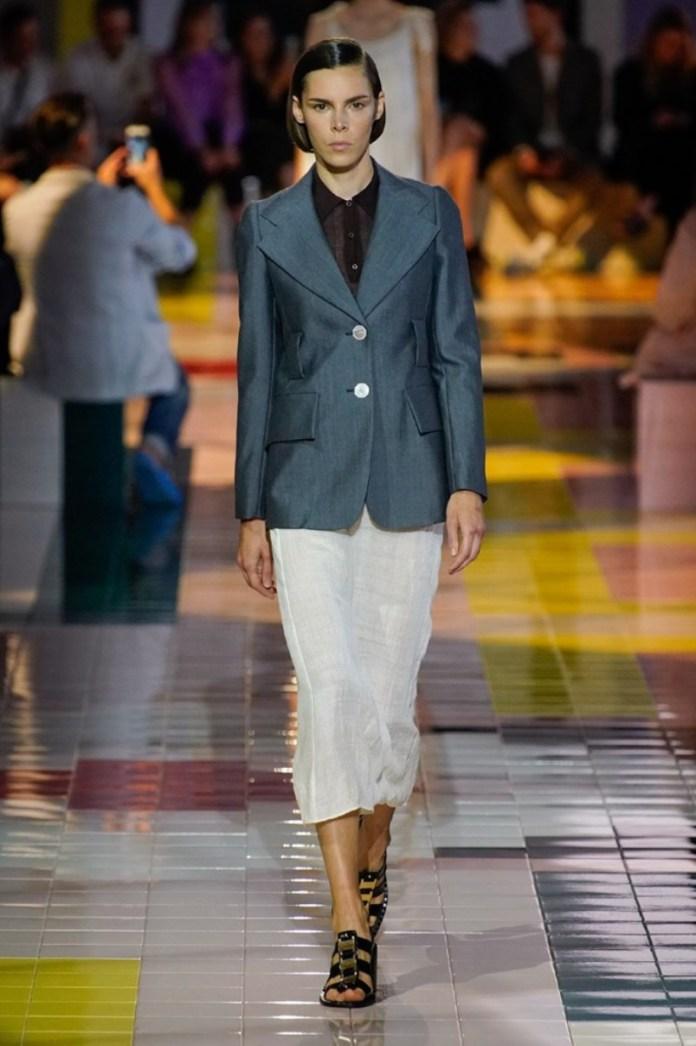 cliomakeup-milano-fashion-week-primavera-estate-2020-3-prada-giacca