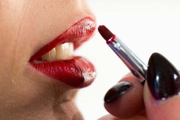 cliomakeup-prodotti-beauty-non-condividere-5-rossetto
