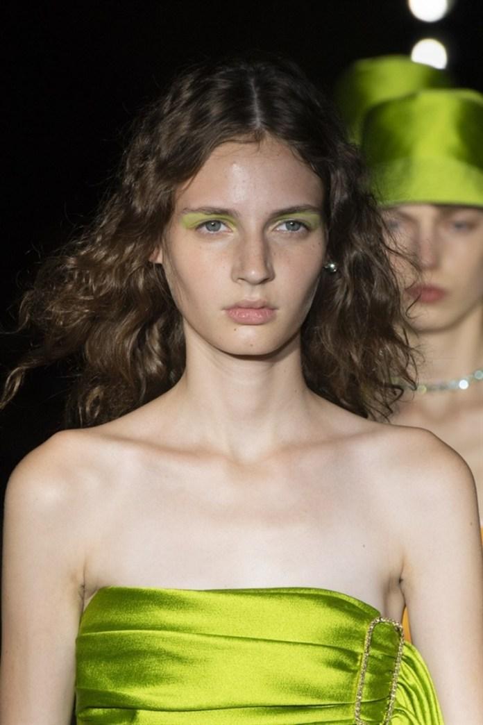 cliomakeup-trend-beauty-primavera-estate-2020-8-ombretto-verde