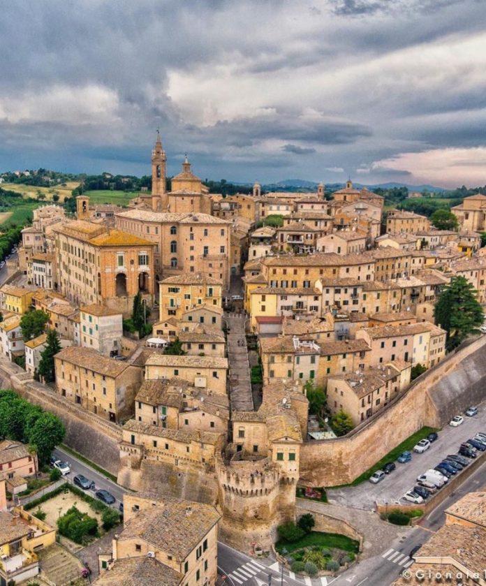 Il 1 novembre a Corinaldo (Ancona) per la Festa delle Streghe