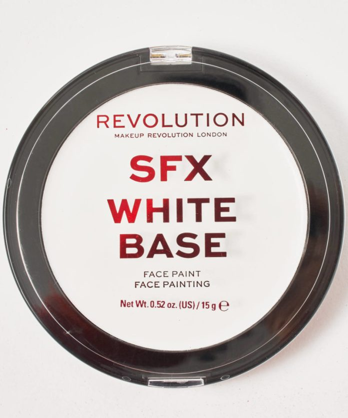Halloween collezioni trucco: SFX White Base di Makeup Revolution