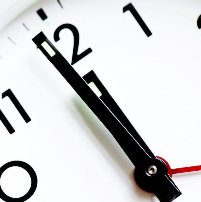 cliomakeup-capodanno-tradizioni-superstizioni-teamclio-mezzanotte-2