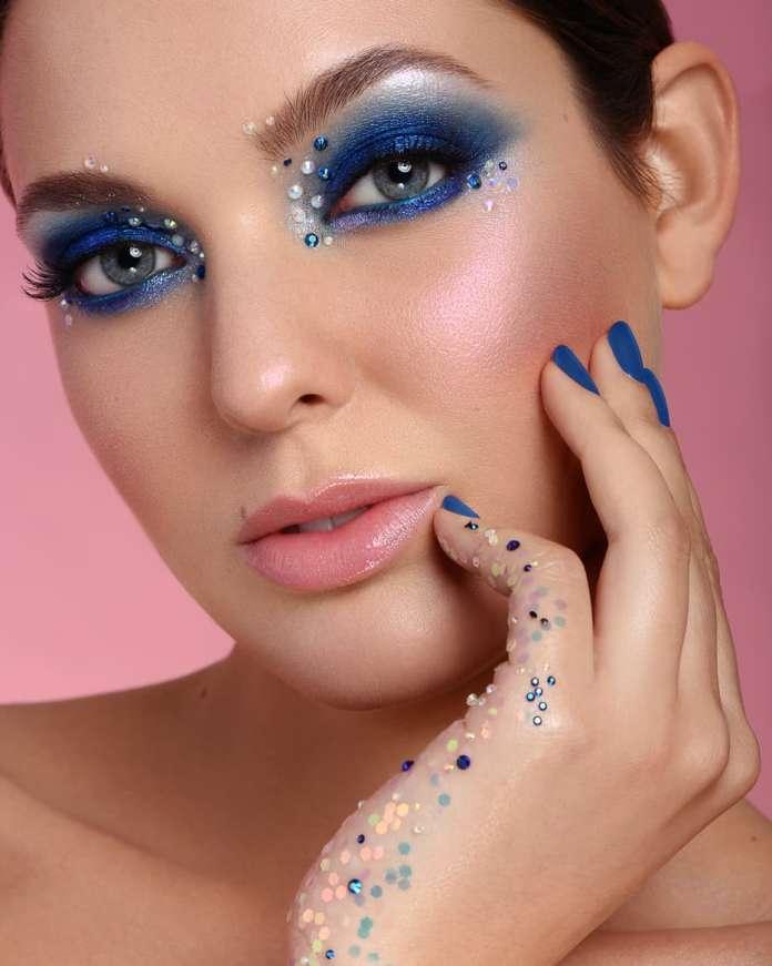 cliomakeup-makeup-pantone-2020-classic-blue-10-cristalli