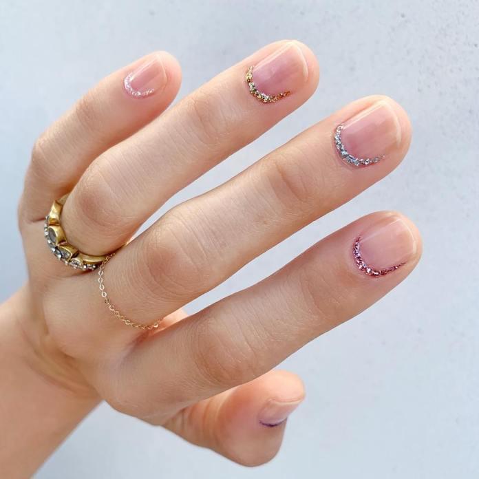 Cliomakeup-unghie-san-valentino-2020-10-glitter