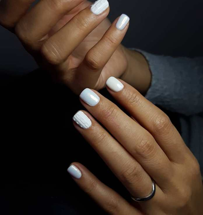 Cliomakeup-unghie-white-winter-nails-13-tricot-total-white