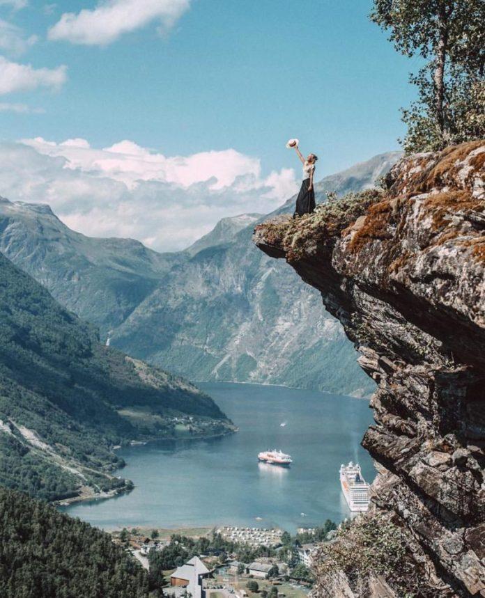 in crociera sui fiordi norvegesi