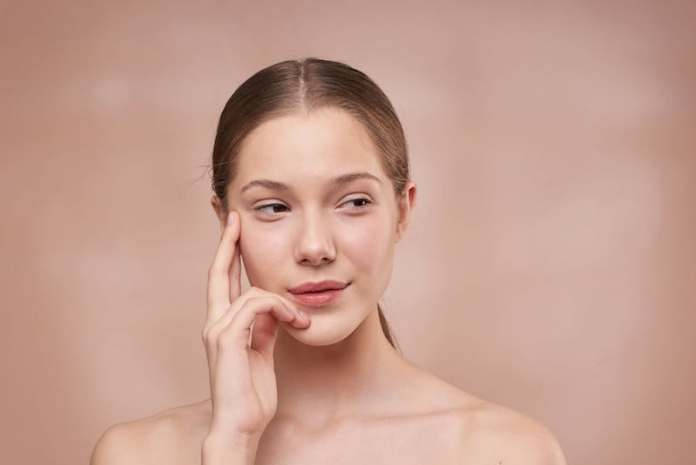 ClioMakeUp-creme-viso-notte-inverno-2020-9-pelle-luminosa-sana.jpg