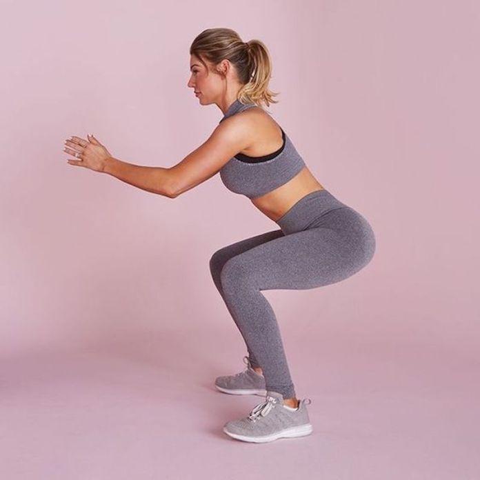 cliomakeup-esercizi-per-glutei-8-squat