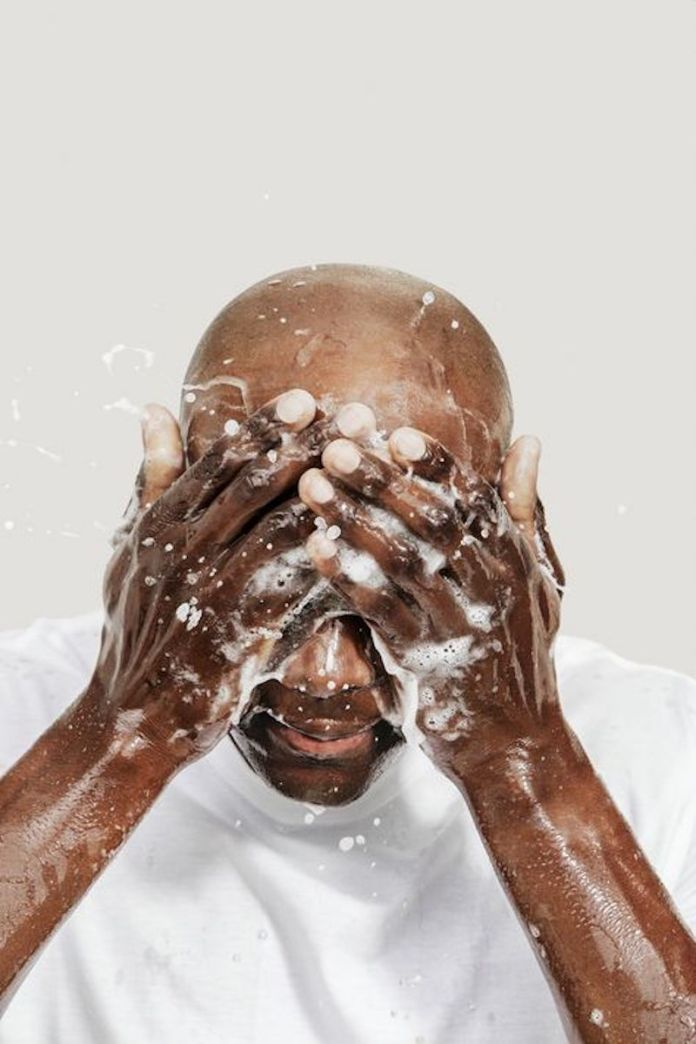 cliomakeup-beauty-routine-uomo-3-detersione
