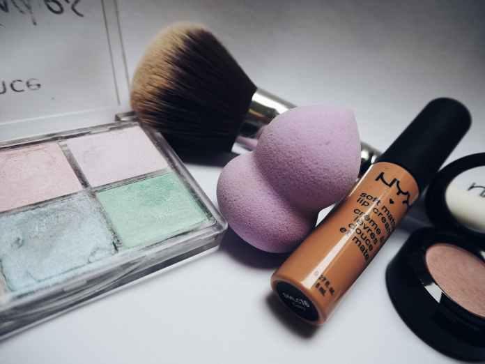 cliomakeup-come-pulire-trucchi-palette-15-nyx
