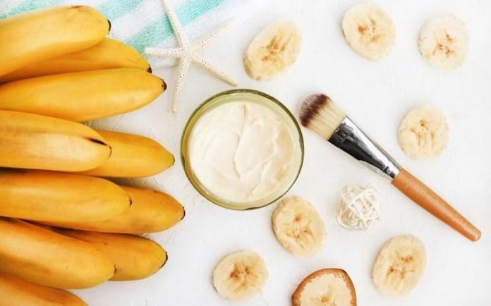 cliomakeup-maschera-idratante-viso-fai-da-te-8-banana