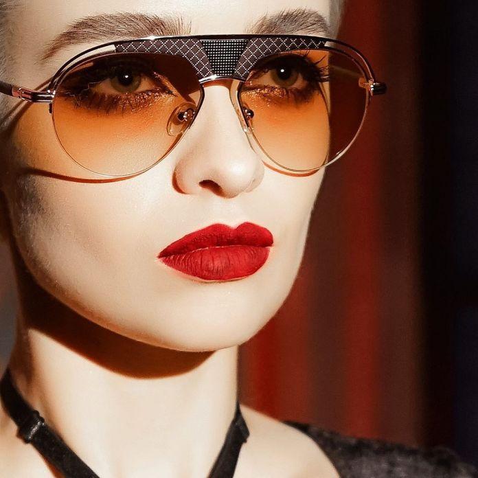 cliomakeup-occhiali-sole-tendenze-2020-6-retro