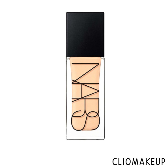cliomakeup-recensione-illuminante-nars-tinted-glow-booster-1