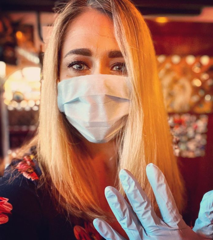 beauty case fase 2: portate sempre con voi dei guanti monouso di ricambio