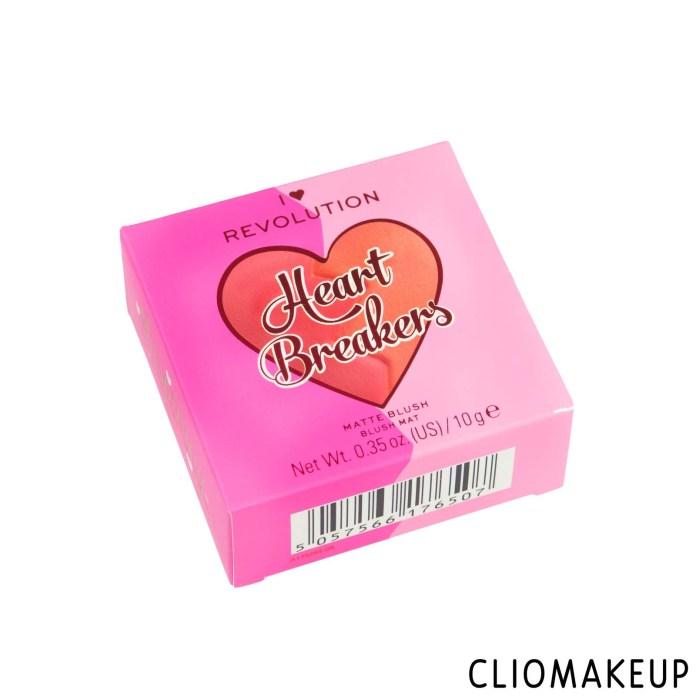 cliomakeup-recensione-blush-i-love-revolution-heart-breakers-matte-blush-2