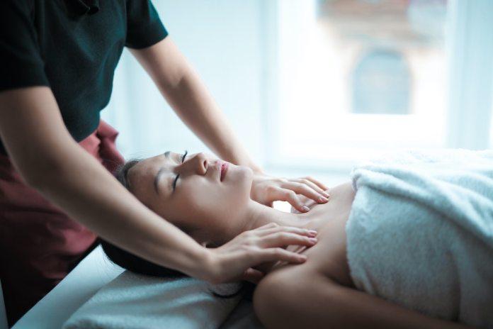 cliomakeup-massaggio-linfodrenante-teamclio-cover-1