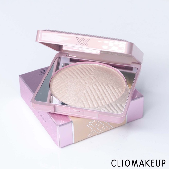 cliomakeup-recensione-illuminante-xx-revolution-xxposure-highlighter-multi-dimensional-powder-5